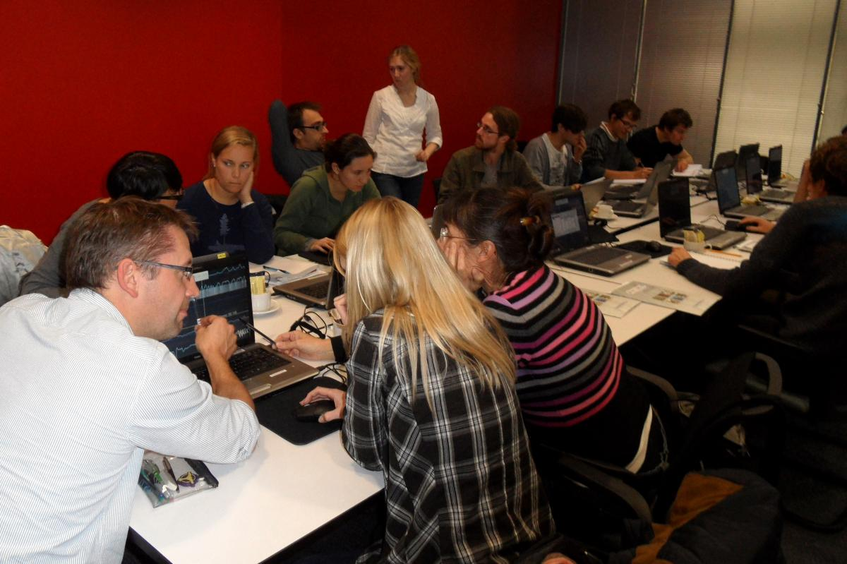 Postgraduate students receiving training in core analysis and core data visualisation at a BOSCORF workshop.